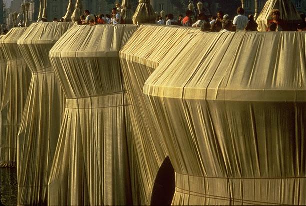 christo pont neuf emballé
